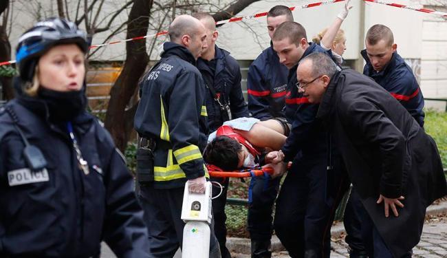 650x375_ataque-revista-mortos-paris-pelo-mundo_1482061