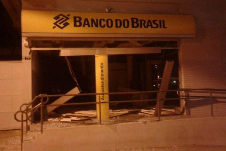 750_agencias-macarani-explosao-invasao-roubo_2018212131225392