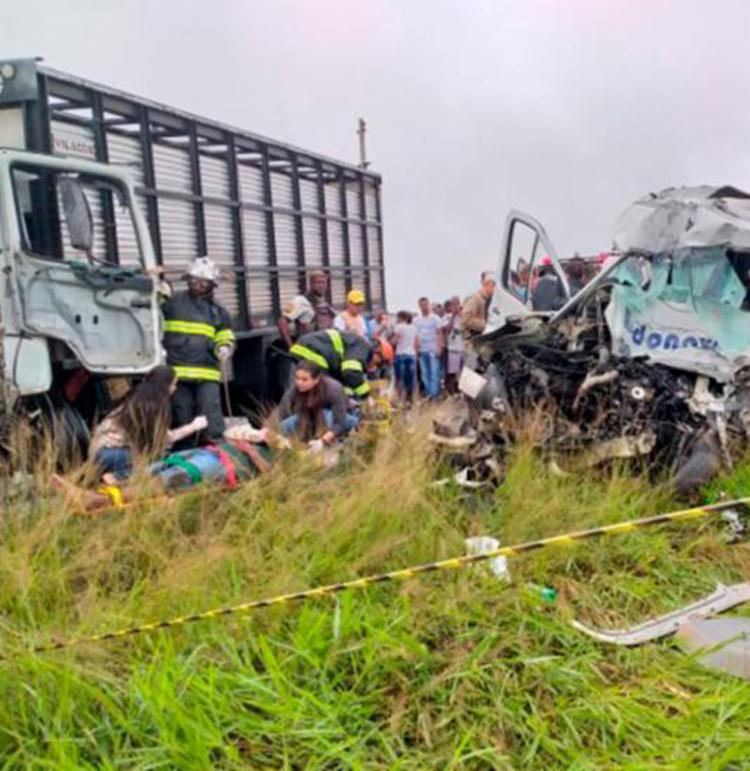 750_ba-502-acidente-feira-de-santana-sao-goncalo-veiculos-mortes_2019620112845728