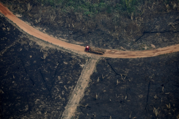 1_2019_09_09t123323z_1_lynxnpef8814y_rtroptp_4_brazil_environment_wildfires-465327