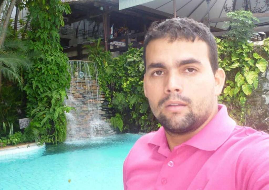 Indígena morto na floreta amazonia