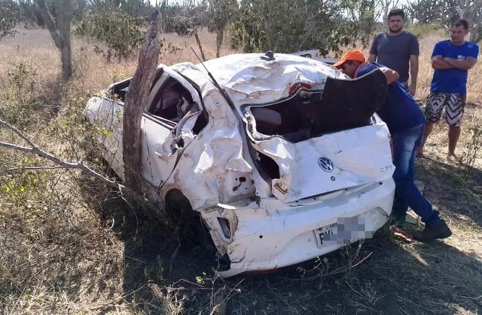 acidente-carro-de-coite-na-ba-120-2