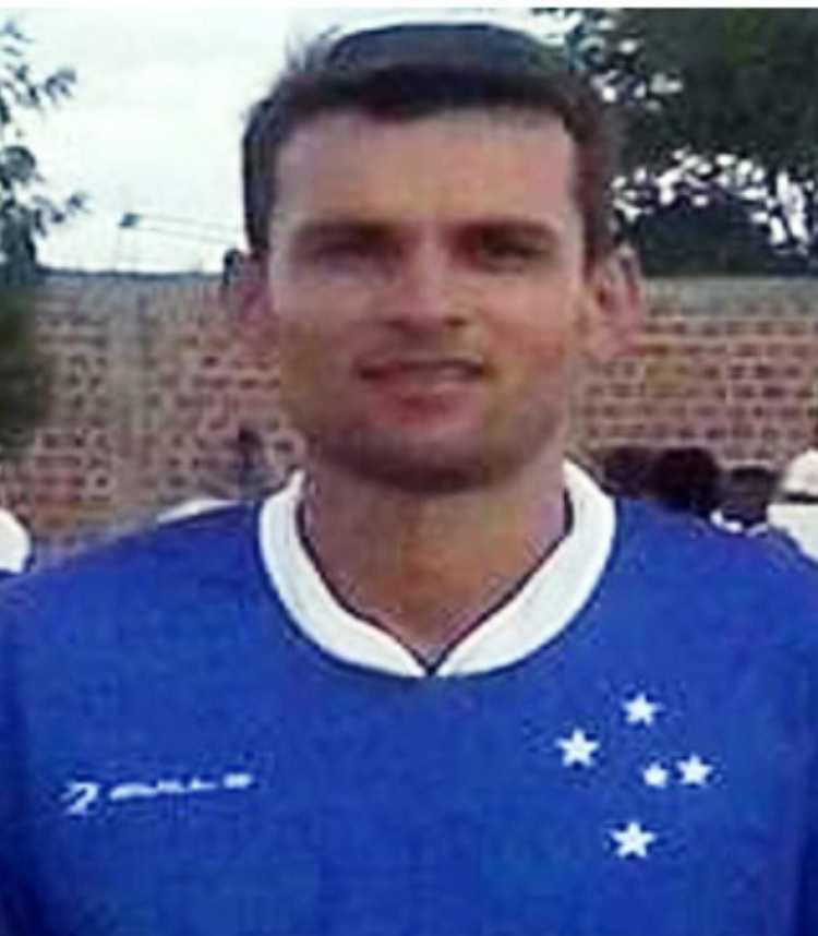 750_jogador-futebol-amador-sao-domingos_201912983210647